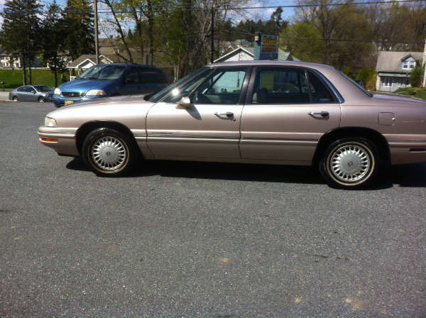 Buick LeSabre 99 Right Side